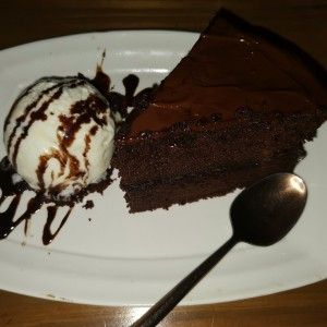 Chocolate cake c/helado