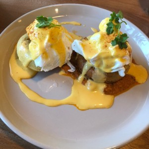 Benedict eggs goes keto