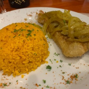 Filete de Pescado con arroz con coco