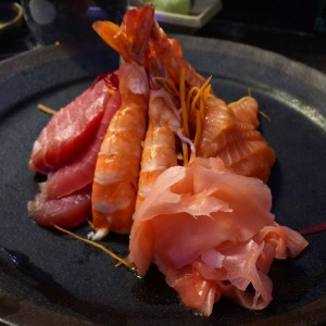 Sashimi Tuna, salmon and shrimp