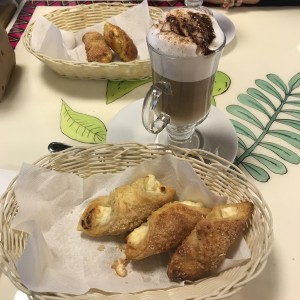 Quesitos y Capucino