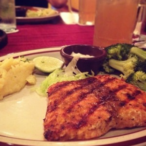 filete de salmon pure y brocoli