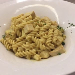 Pasta pollo al curry