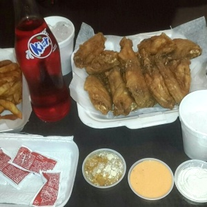 15 wings y papas