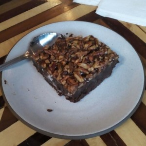 Brownie chocolate con caramelo