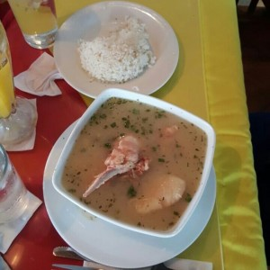 sancocho de gallina y arroz blanco