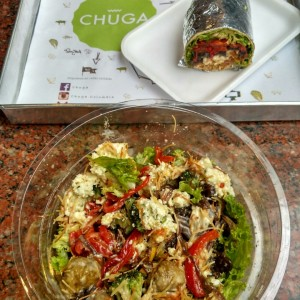 Bowl de lechuga y wrap integral