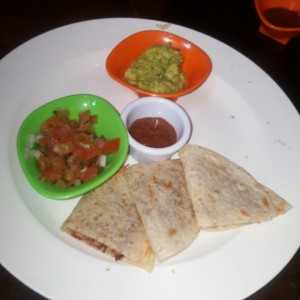 quesadillas de carnitas