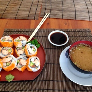 California roll y miso