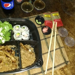 In-Bento con arroz japonés (Domicilio)