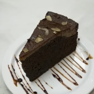 Torta de chocolate con quesillo