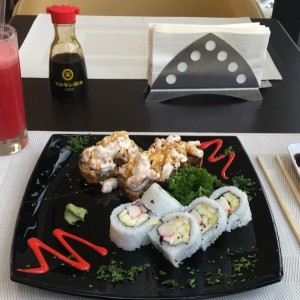 Vulcano Roll + California Roll + Jugo de Patilla