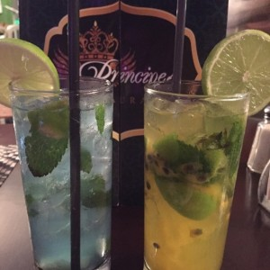 Mojitos Blue Moo y Parchita
