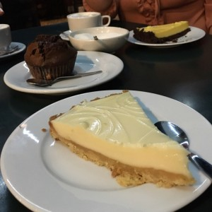 Key lime pie + muffin de chocolate + pie de parchita
