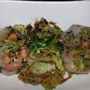 Fresh Egg Roll Salad de Camarón