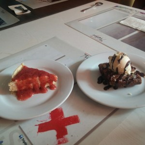 brownie Gelato y cheesecake de fresa