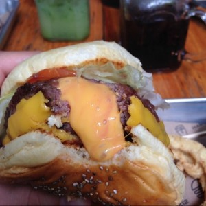 Jucy Lucy explosion de queso ?